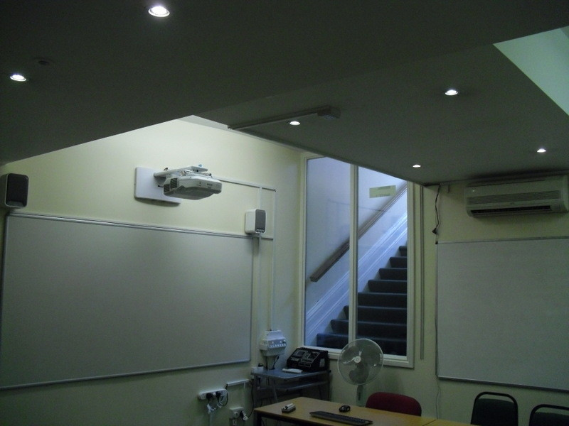 ロンドンのメイン校の教室