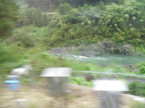 JRワイドビュー飛騨からの山あいの景色5