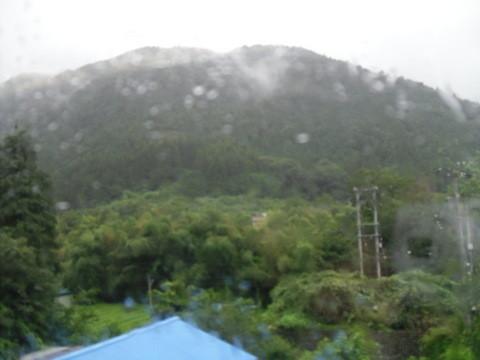 JRワイドビュー飛騨からの山あいの景色4