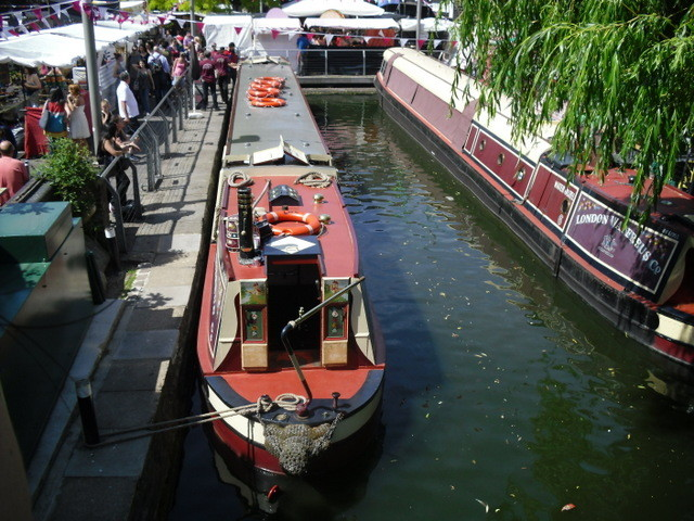 カムデン・タウン内運河・ナローボート