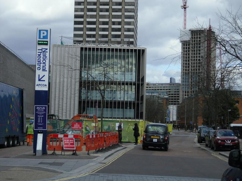 ロンドンアイの近くの駐車場