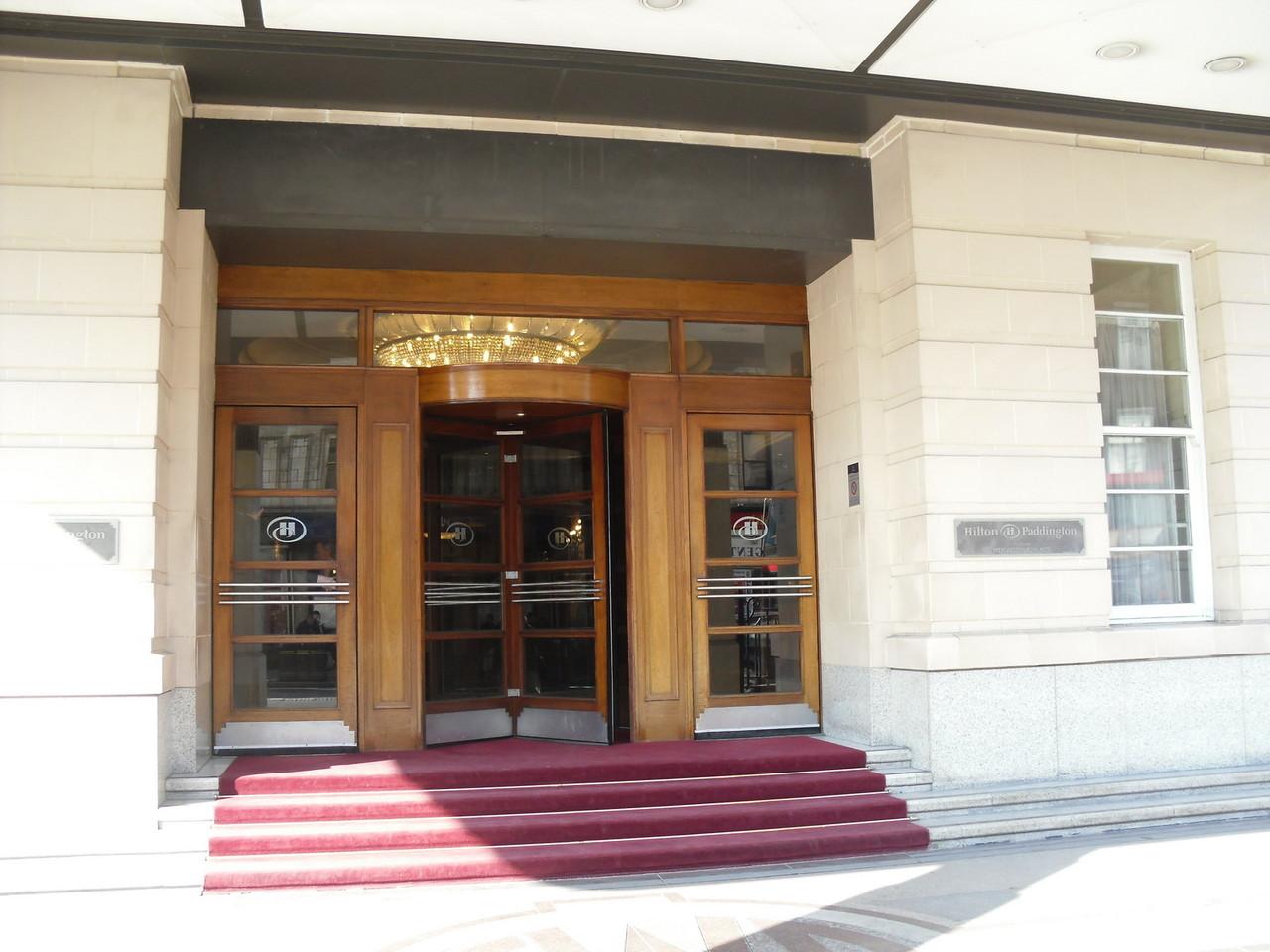パディントン駅にくっついているヒルトンホテルです。