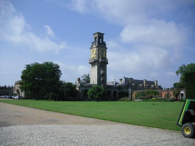 クリブデン・ハウス前庭