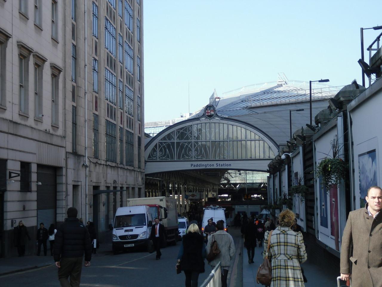 パディントン駅の入口です。