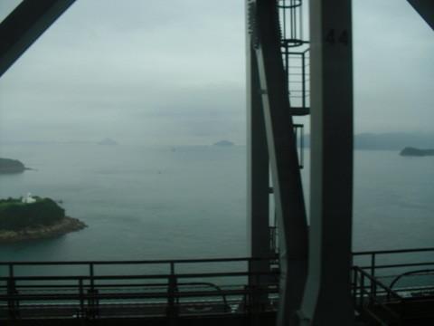 岡山駅から四国の高松に行く電車・車窓からの瀬戸内海の景色5