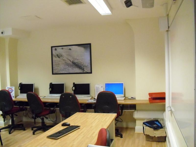 ロンドンのメイン校の教室2