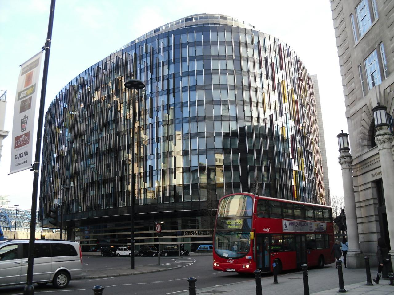 ロンドン・アイ+ウォータールー駅周辺のモダンなパークプラザホテル8