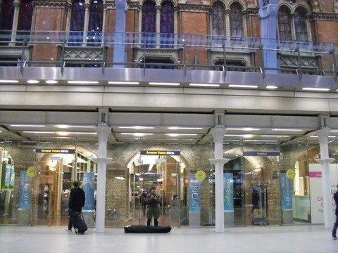 セント・パンクラス駅内部です。