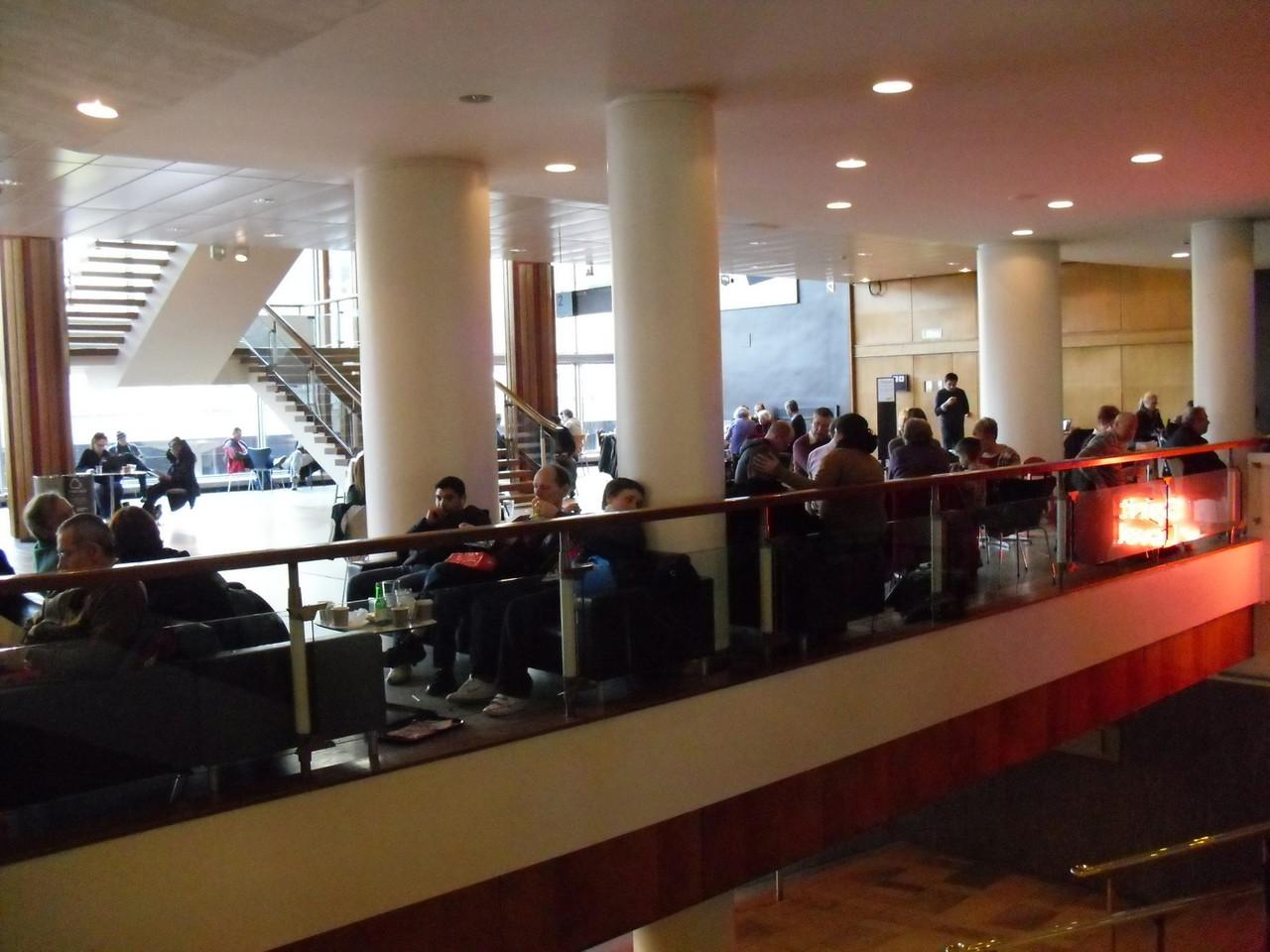 フェスティバルホール内部3