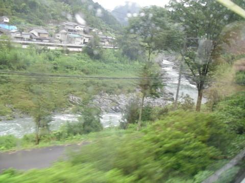 JRワイドビュー飛騨からの山あいの景色6