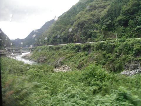 JRワイドビュー飛騨からの山あいの景色8