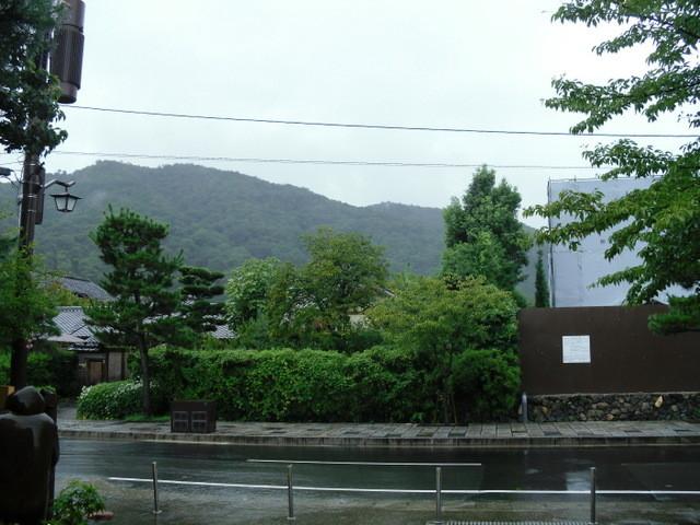 渡月橋への道中のお寺1