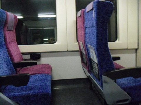 岡山駅から四国の高松に行く電車・車内2