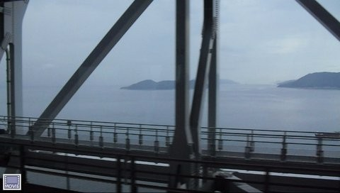 岡山駅から四国の高松に行く電車・車窓からの瀬戸内海の景色4