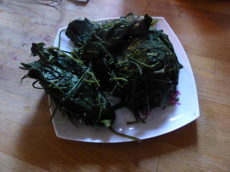 """Autre méthode : Compactage de feuilles de pastel pour les mettre sécher en """"coques"""""""