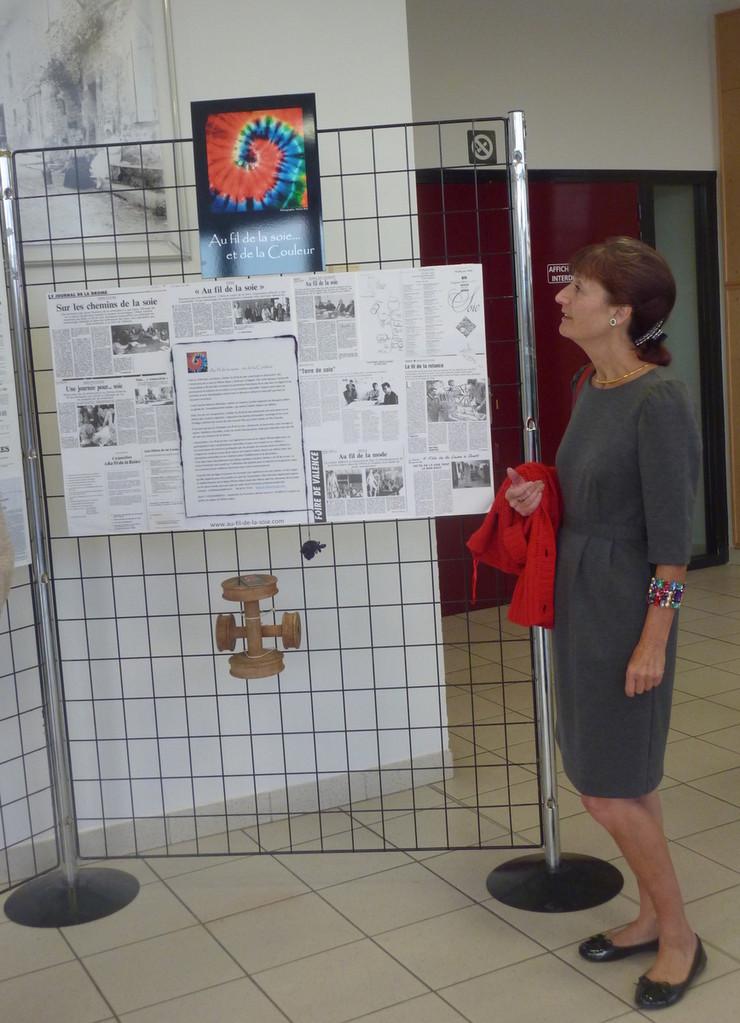 """Michèle Tixidre, Présidente actuelle de l' association """"Au fil de la soie"""""""