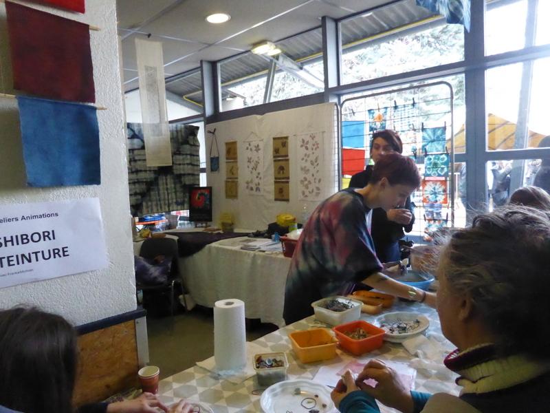 Un atelier Shibori qui remporte toujours un franc succès