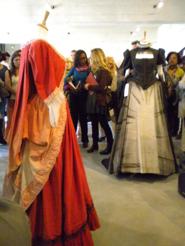 Costumes présentés par l'atelier des costumes de l'Opéra Comique