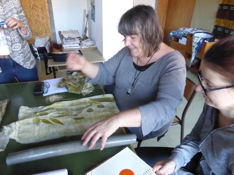 Présentation de la technique de l'éco-print par Marianne Aubry