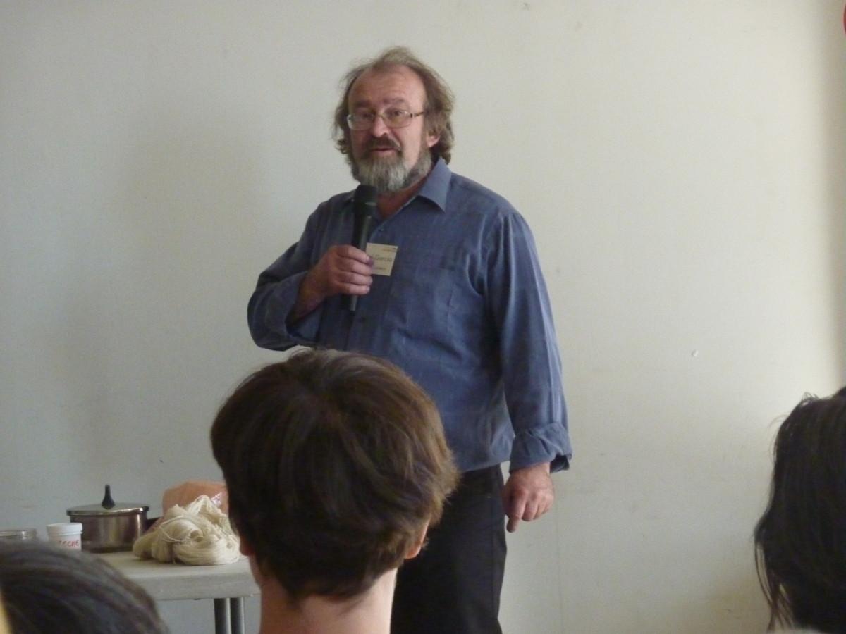 Michel Garcia (Plantes et Couleurs): Démonstration de teinture 100% végétale