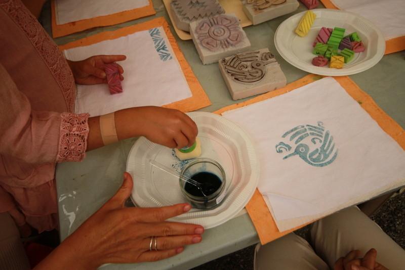 Le très beau turquoise du pigment bleu Maya
