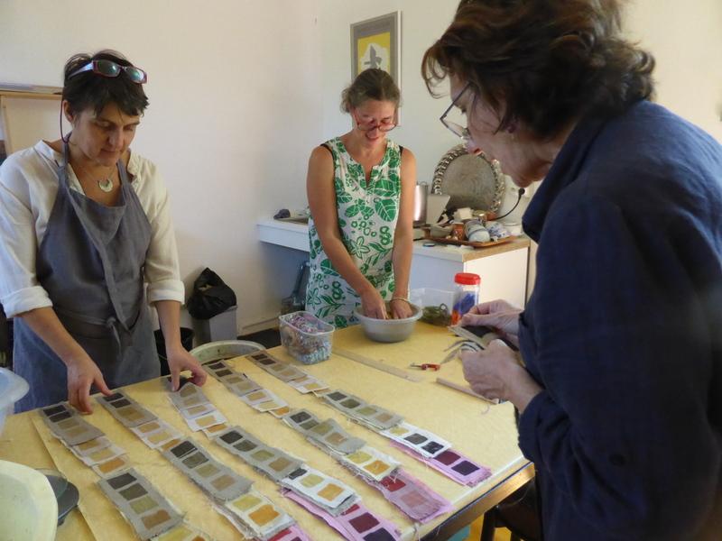 Gamme de coloris sur différentes matières : lin et coton