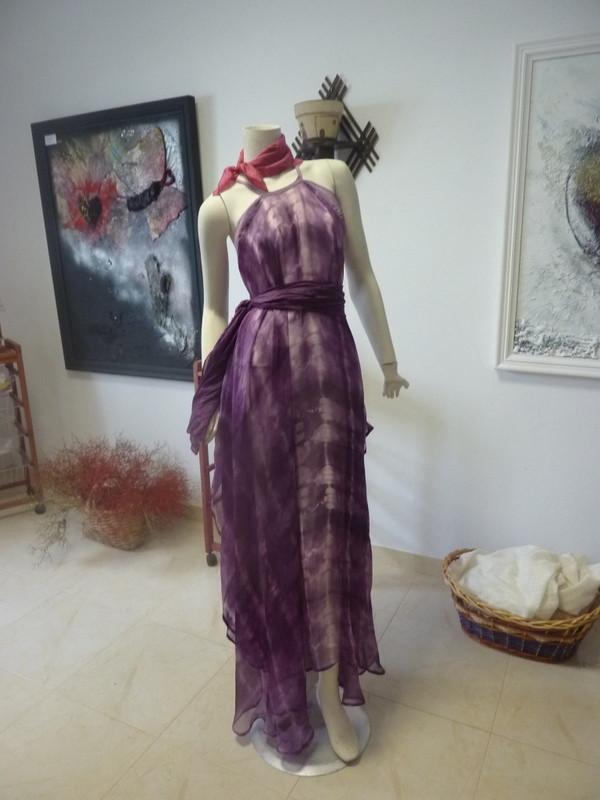 Magnifique violet obtenu avec la cochenille sur la mousseline de soie