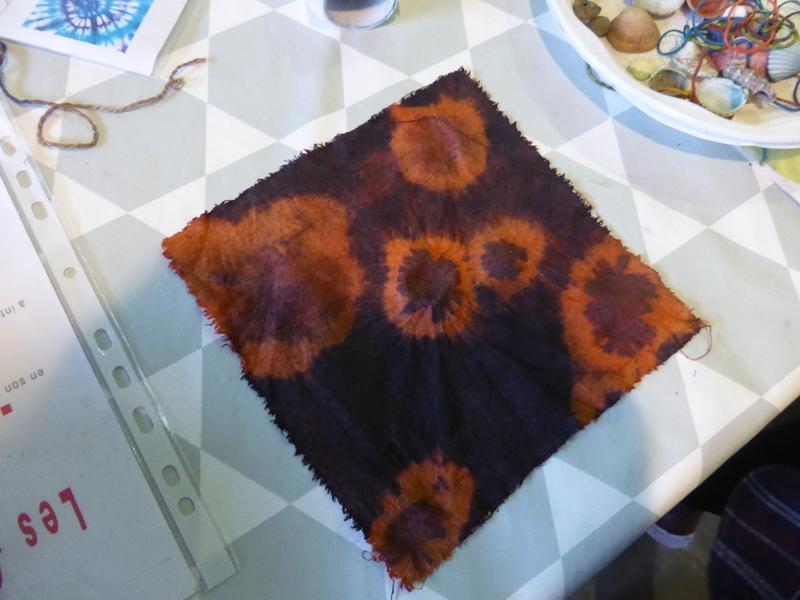 Un petit tour dans la garance et dans l'indigo = orange + violet