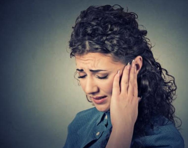 Acouphènes et de troubles du sommeil