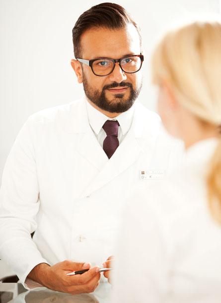 Dr. Koravi ist zertifizierter Experte in Implantologie in Essen