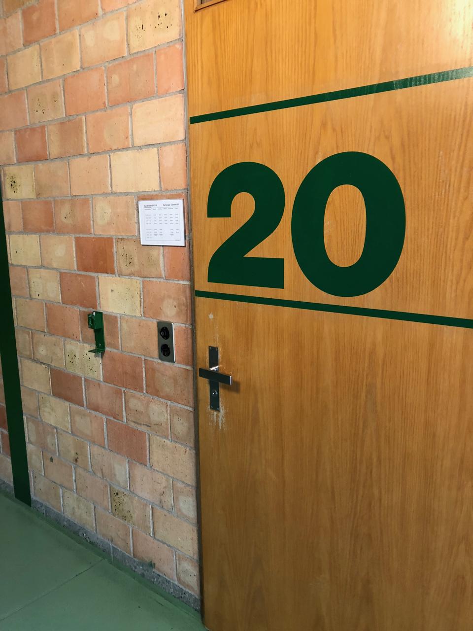 unser provisorisches Lehrerzimmer wird das Zimmer 20 sein