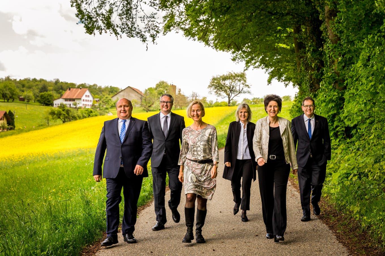 REGIERUNGSFOTO «Im Frühtau zu Berge»: Die neue Solothurner Regierung schreitet frohgemut ins Bild