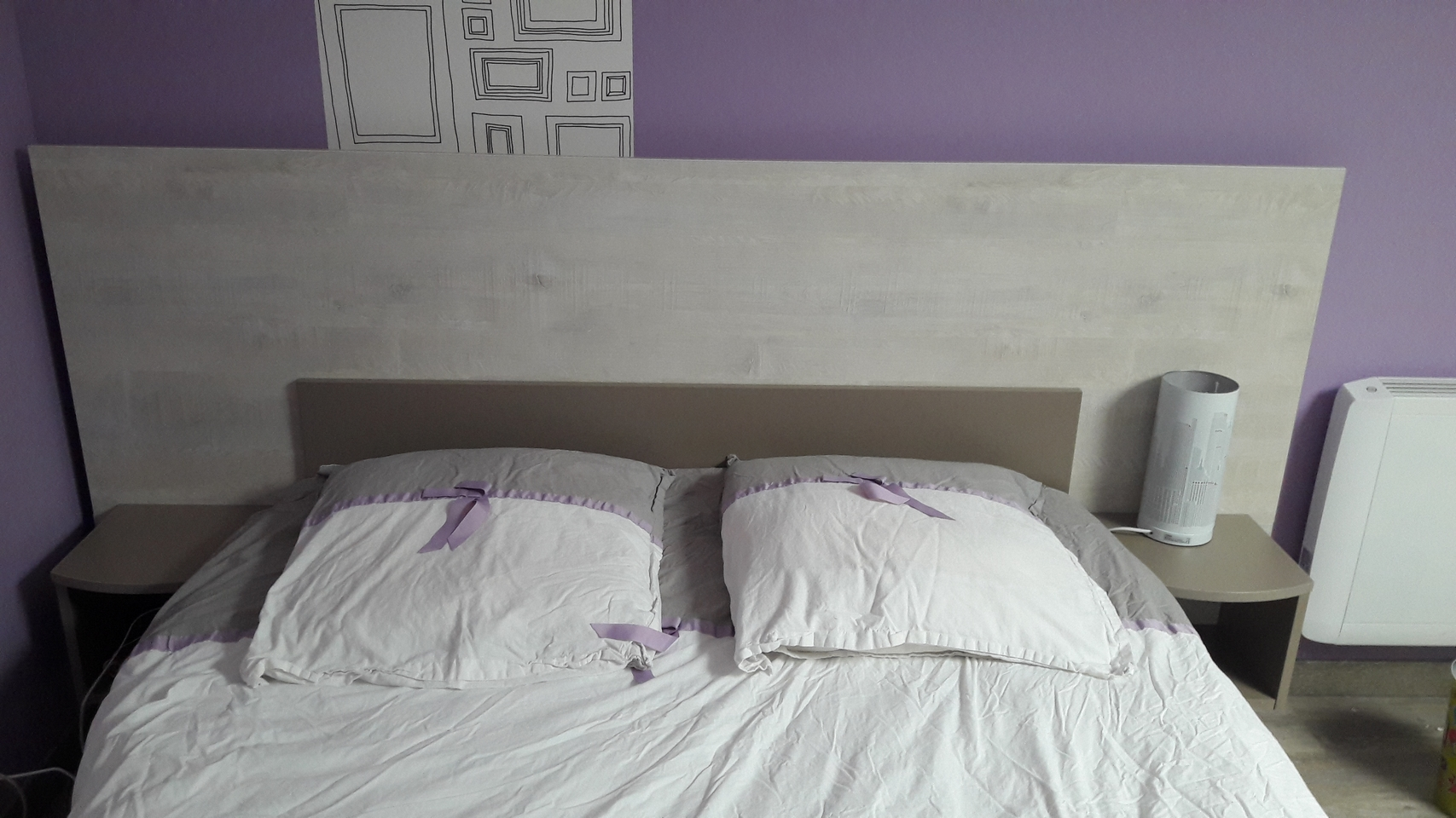 Tête de lit assortie au placard