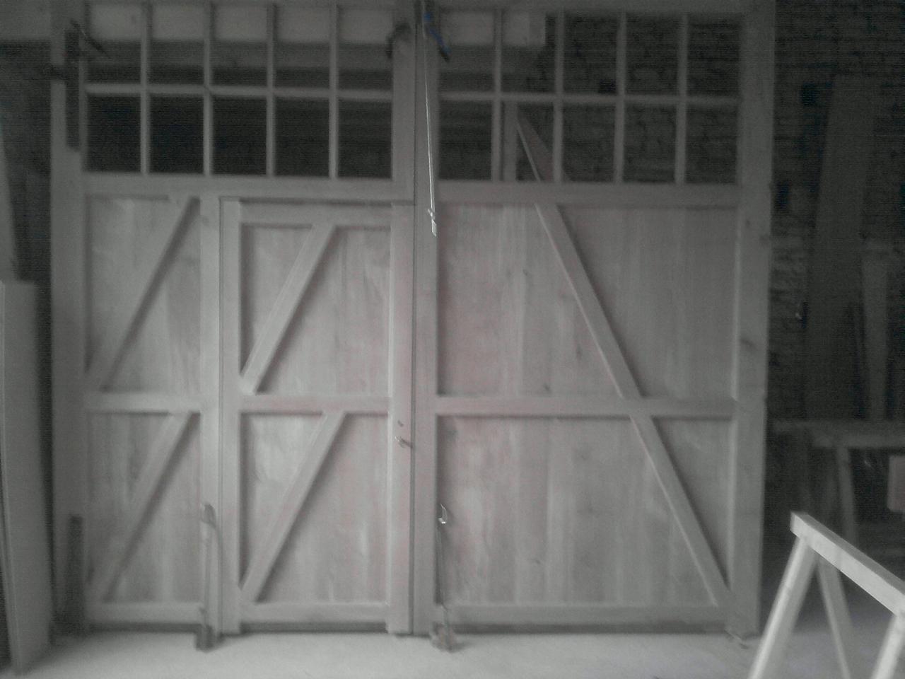 porte de grange en chêne avec portillon intégré