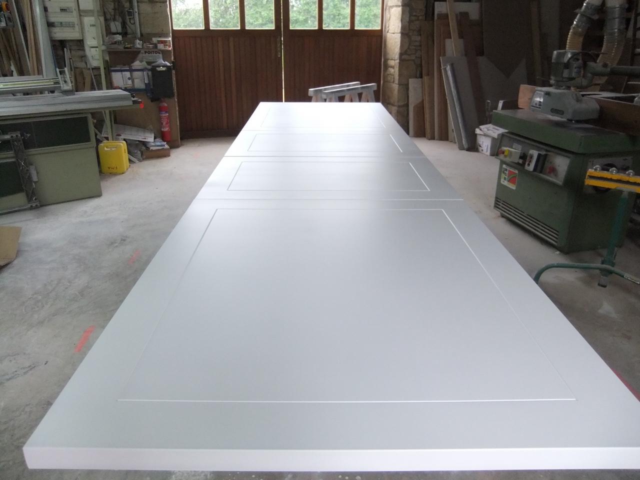 tres grande table