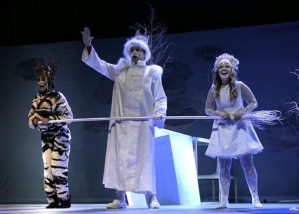 """Bühnenansicht """"Das Schneemädchen"""" 2018"""