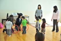 高槻-茨木子育てママのためのリトミックサークル-ピコロの教室写真