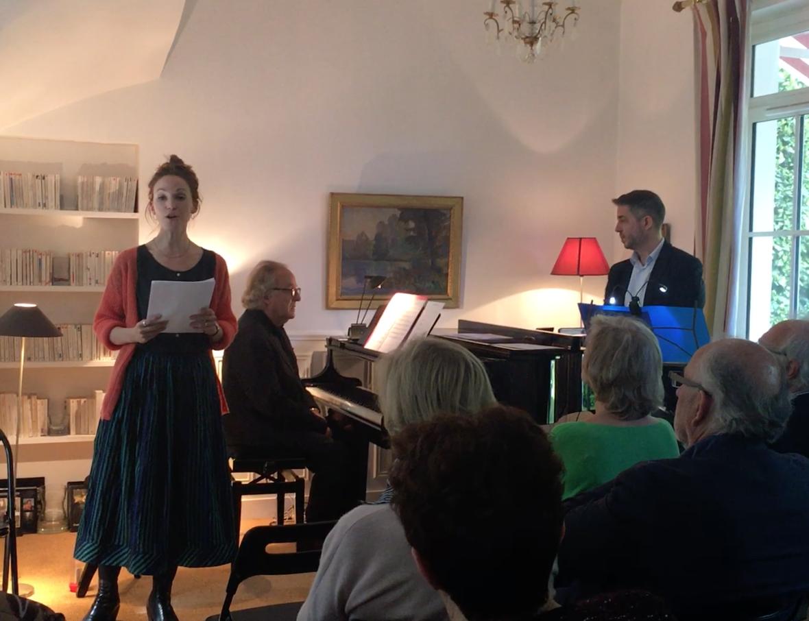 Pauline Jambet (comédienne) , Stéphane Agard (Harmonica) Jean-Pierre Armanet (piano)