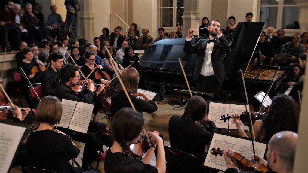 Pierre Alexis Touzeau (chef d'orchestre). L'orchestre Hexagone