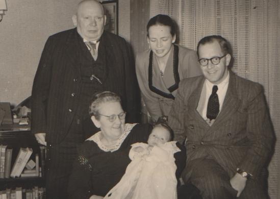 Eltern und Großeltern von rhj. bei seiner Taufe.