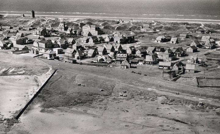 das Ostdorf u.a. mit dem Kinderheim der Stadt Unna  , ca. 1950