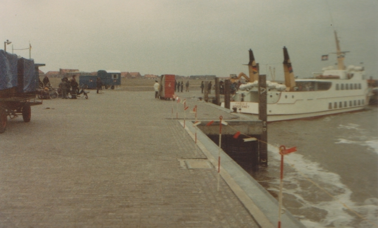Hafenbetrieb im Frühjahr 1982