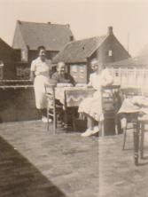 1949,Blick von der Hotelterrasse in die westliche Friesenstr. , vorne Haus BREEDEN , dahinter Haus Ursula (Dr. Oetker, Kaselovsky)