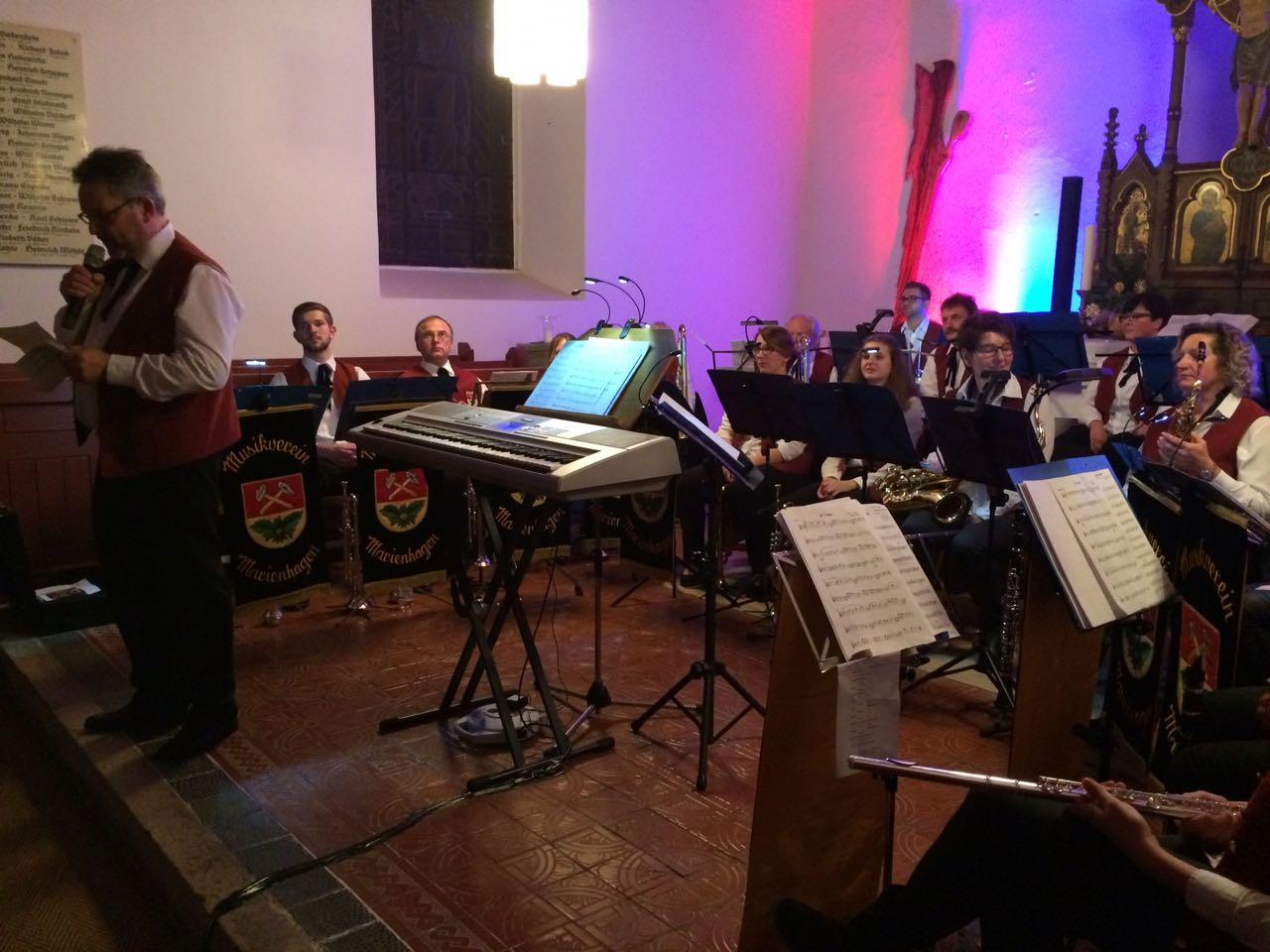 Jahresabschlusskonzert 2017 - Dieter Friedrich begrüßt das Publikum
