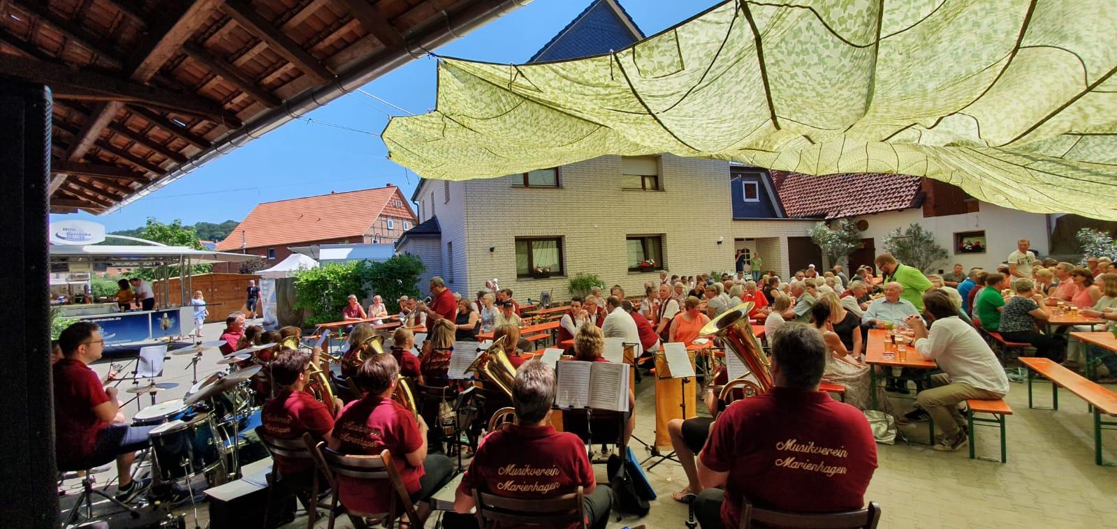 Frühschoppen mit dem Musikverein Marienhagen