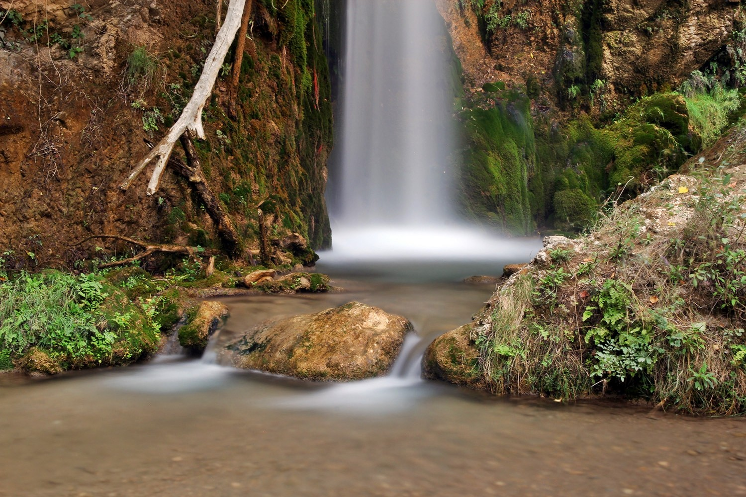 A Waterfall in Arroyo de la Alcaza (Cónchar)