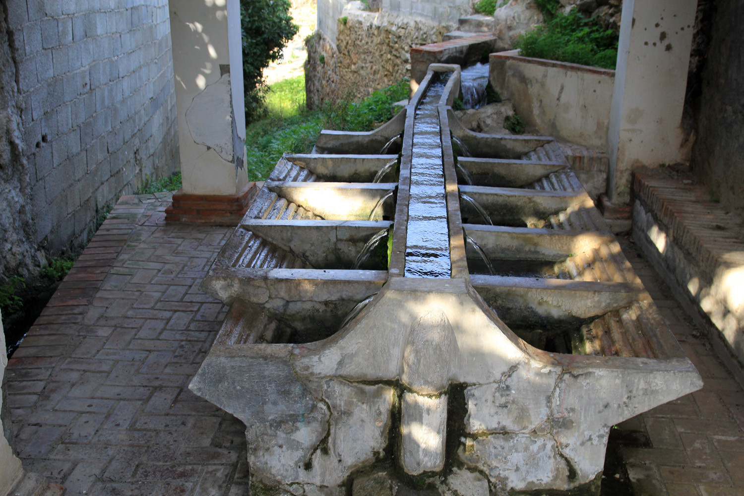 The Washing Sinks of Béznar