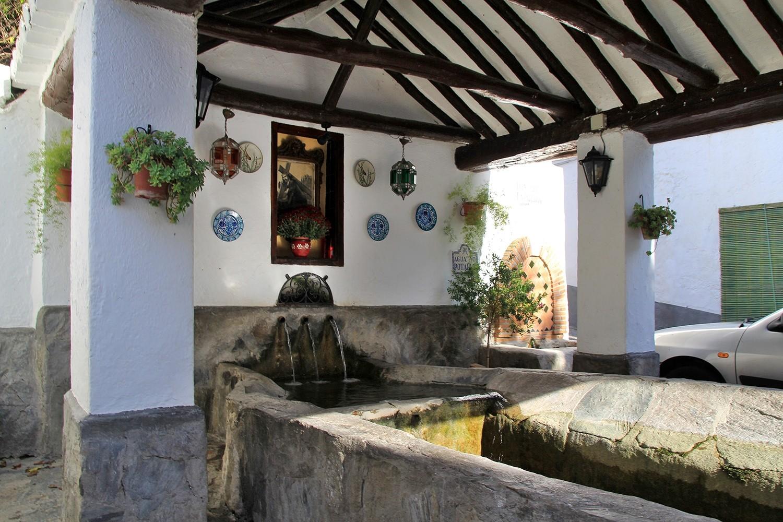 The Washing Sinks of Melegis