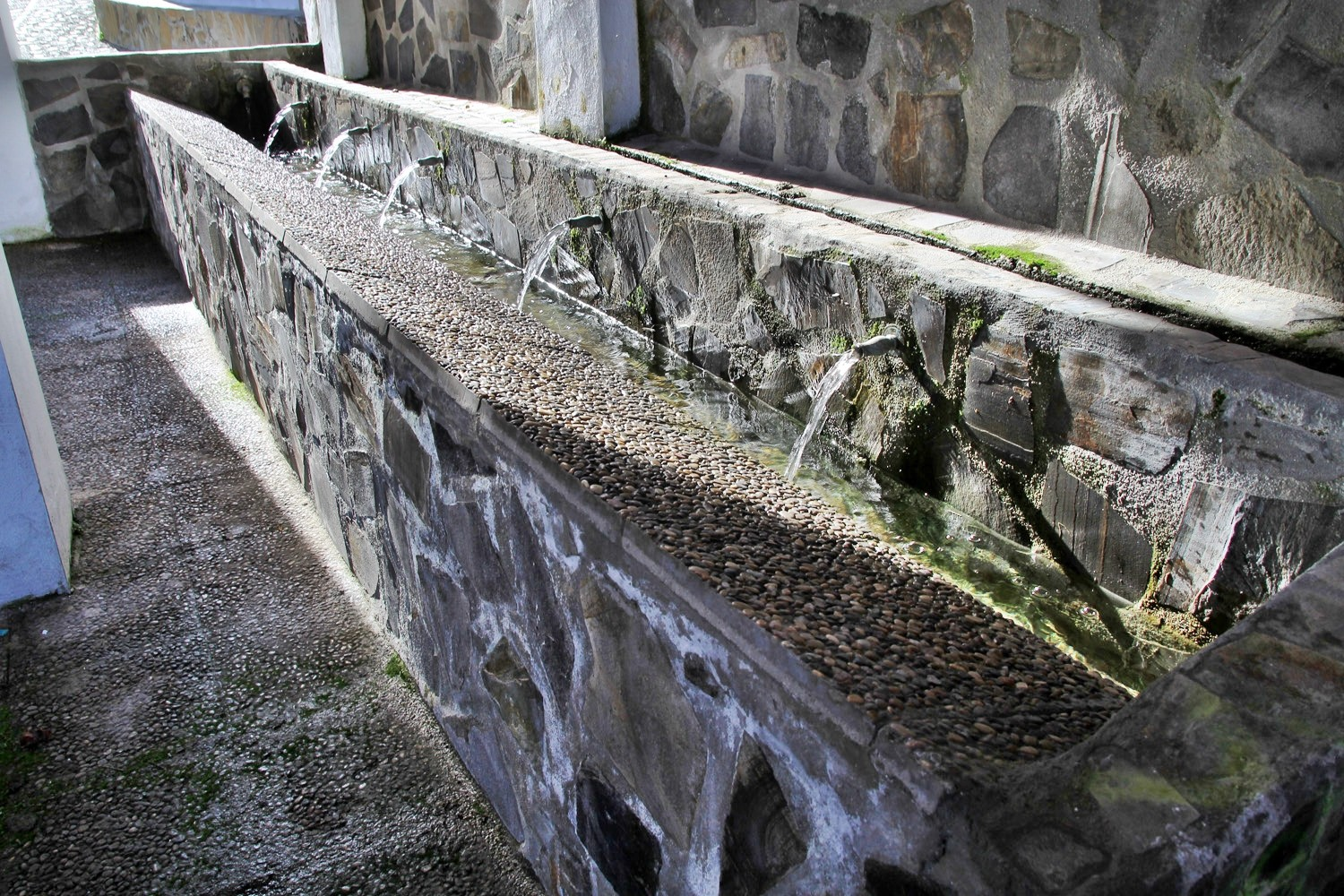 The Washing Sinks of Guarjar Alto