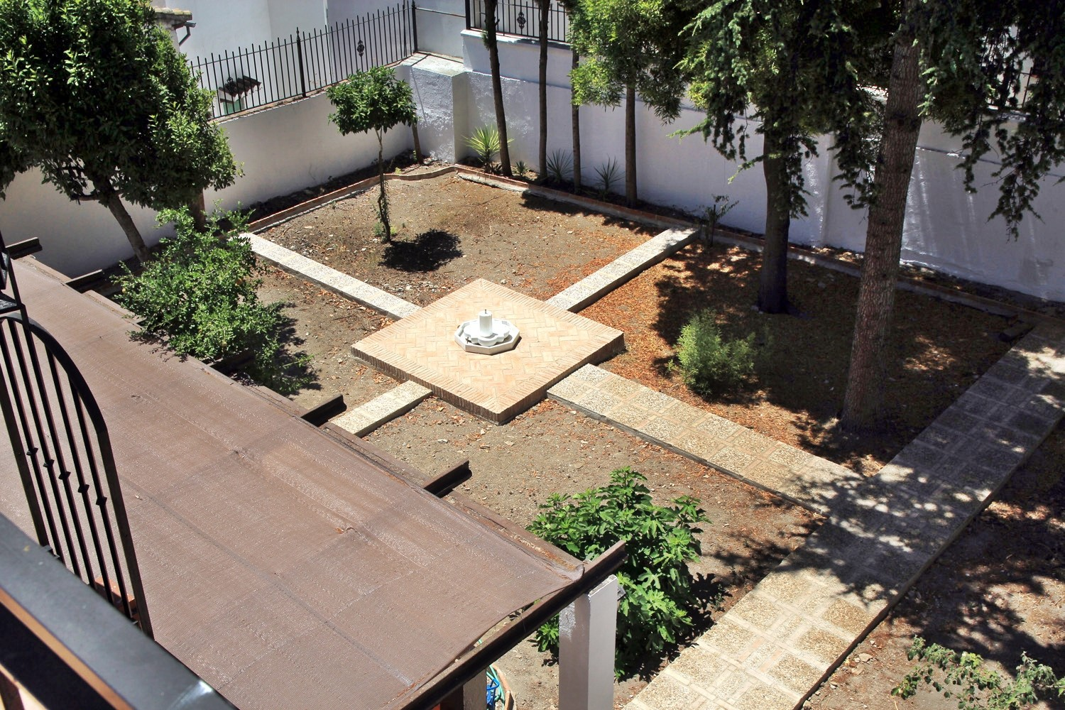 View on the garden from the roof terrace